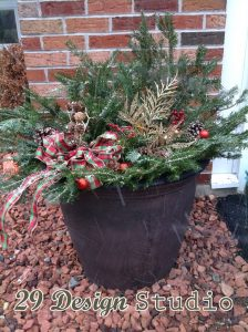 Holiday Outdoor Greenery