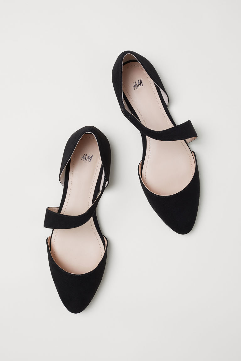 Pointed Toe Strappy Black Flats from H&M