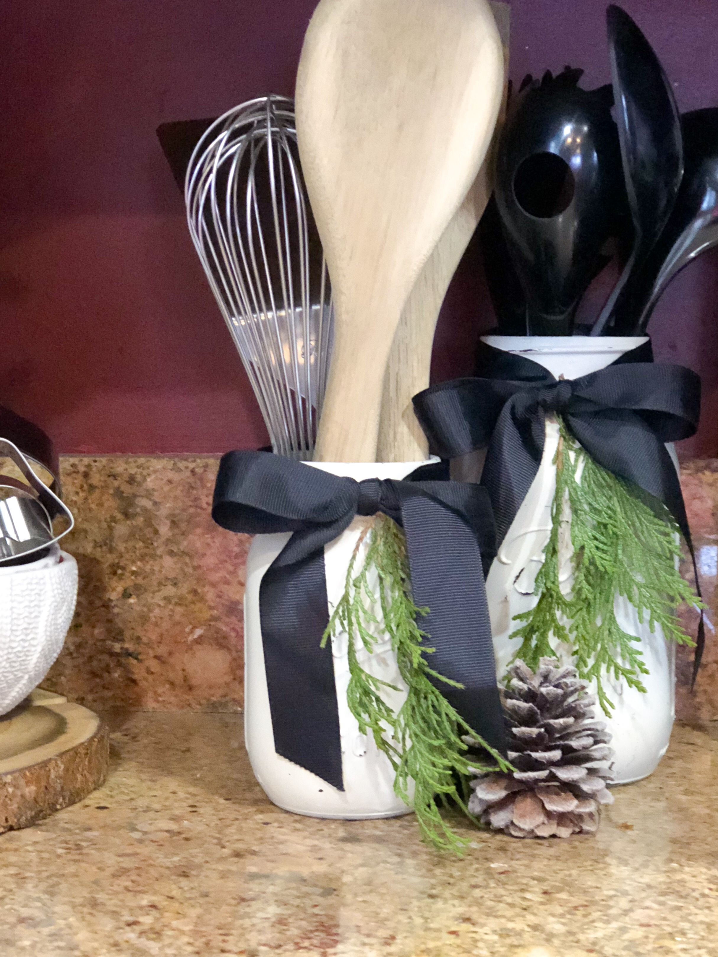 Simple Christmas Kitchen Tour: Black White & Greenery Christmas Decor