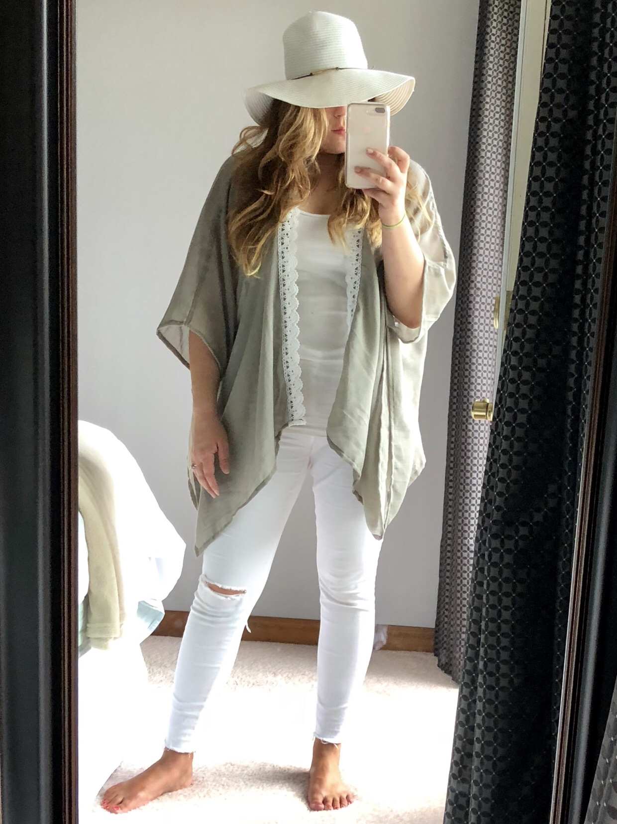 Resort Wear Outfit: White distressed jeans outfit with lace trim kimono and white straw hat